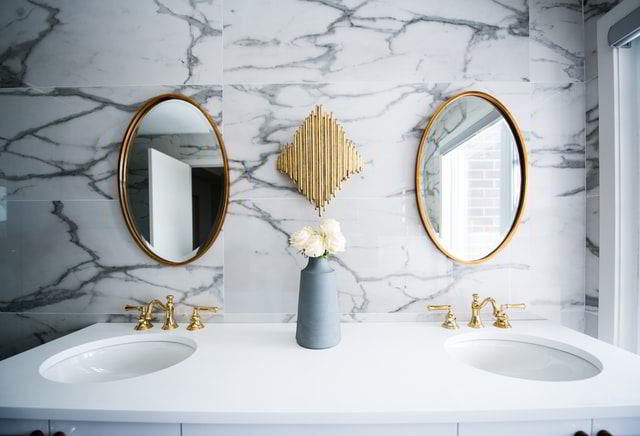 Shiny mirror by Luxury Cleaning NY - spring cleaning services