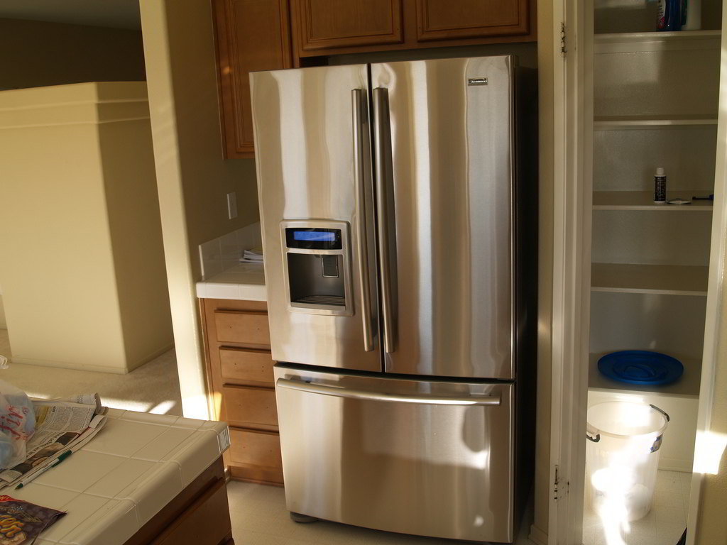 Polish Your Stainless-Steel Appliance with Pledge Tip #20 by cleaning service Manhattan - Luxury Cleaning NY